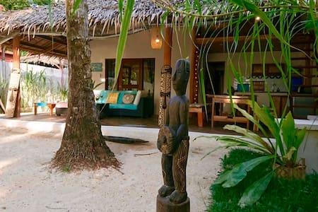 El Nido Beachfront Villa - El Nido