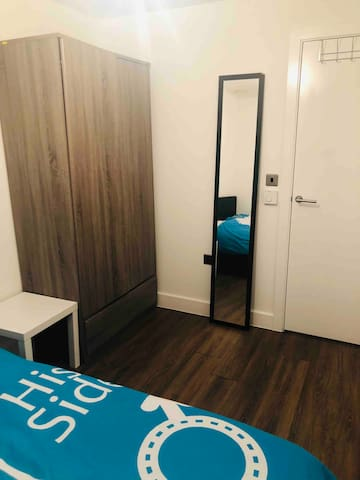 Close to central London, high standard room