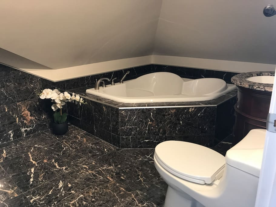 4 piece bathroom with stand up rain shower