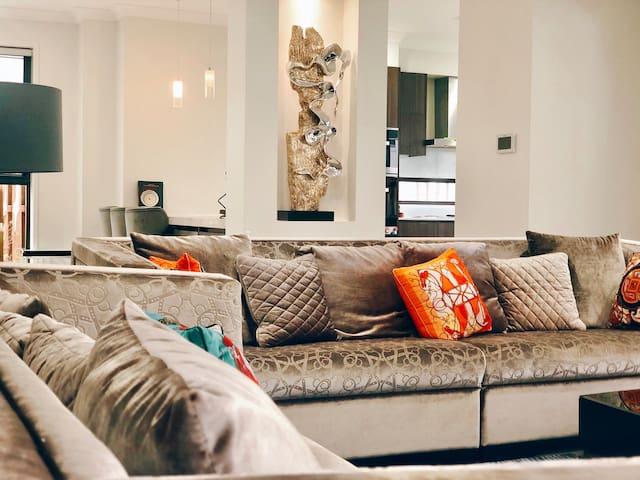 European Elegant Design - 4 BED Quiet Location