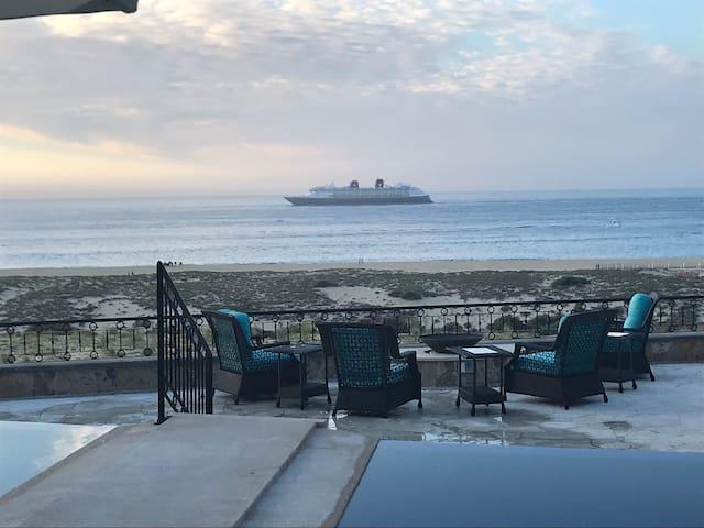 Oceanfront Novoespania Villa, Sunset Beach ,Cabo