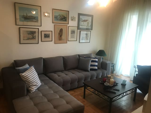 Lovely apartment - 15 mins from historical center