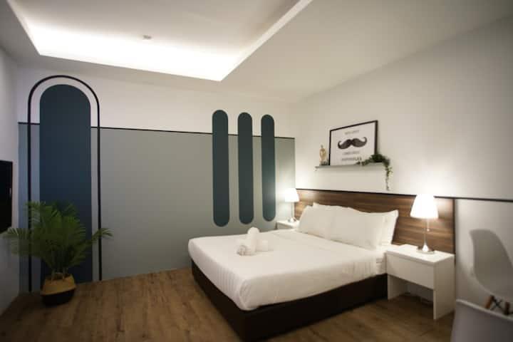 Minimalist Room in Bkt Bintang #203