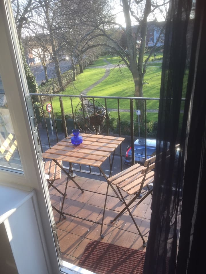 Lovely balcony overlooking the park and only a stones throw from the pedestrian area.