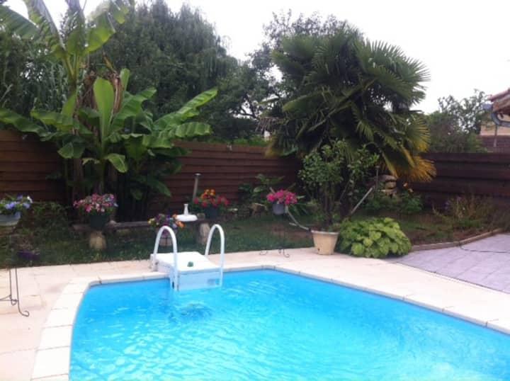 Belle maison tout confort avec piscine