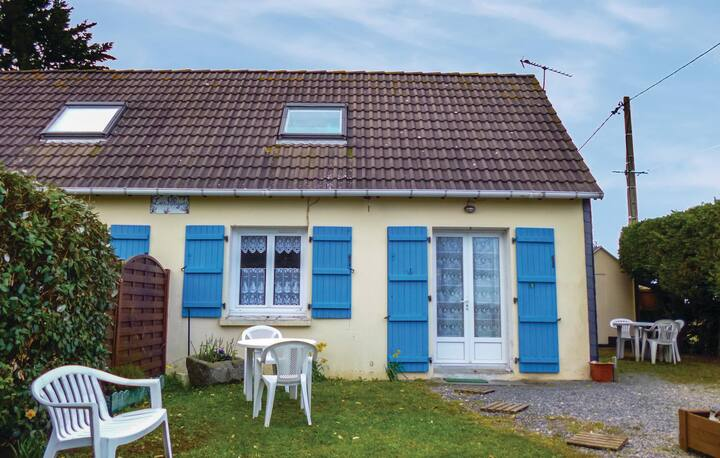 Amazing home in Anneville sur Mer with 1 Bedrooms