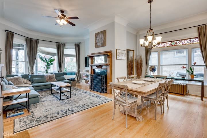 Modern Victorian with Old World Charm-Free Parking