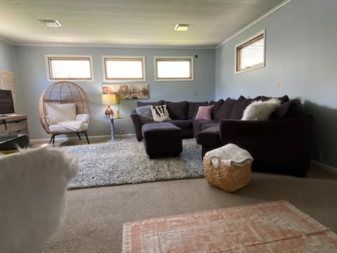 Cozy north end home, close to hospitals & refinery
