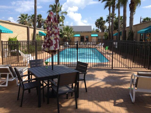 Quiet Affordable Condo on South Padre Island, TX - South Padre Island - Flat