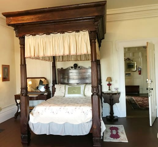 The Alice Hay Room at The Hartford House