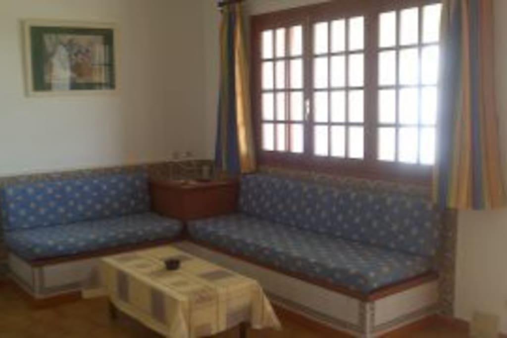 Salón/Caomedor muy amplio y con luz natural.