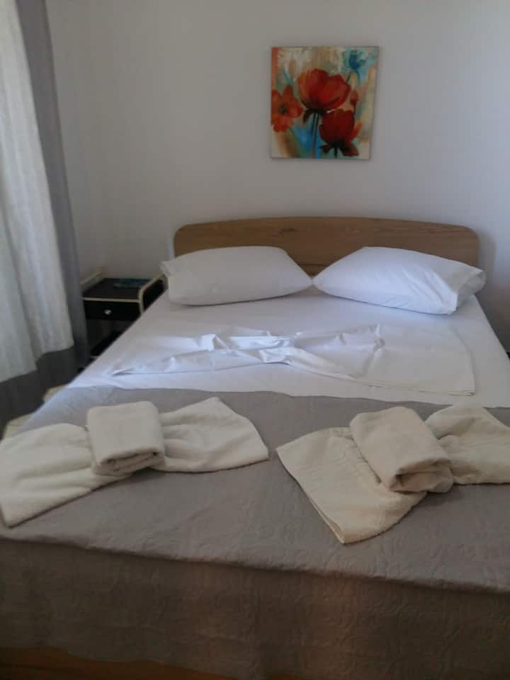 Anda Rooms