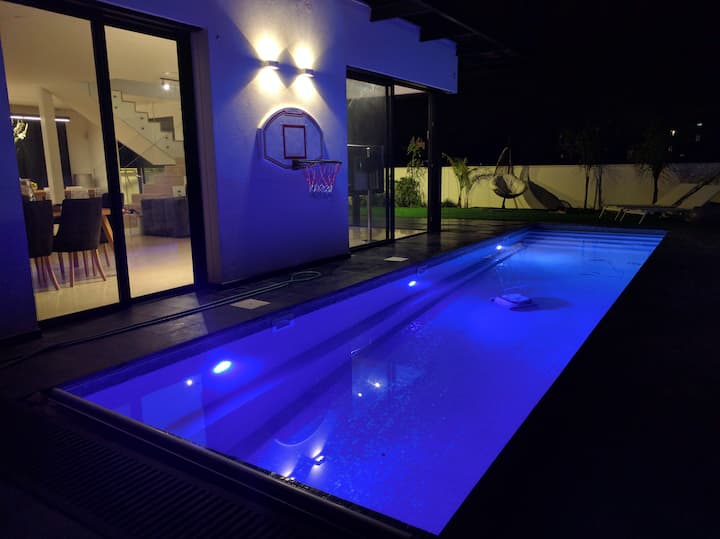 Luxury new modern villa in Herzeliya