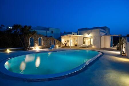 Private Villa Ftelia