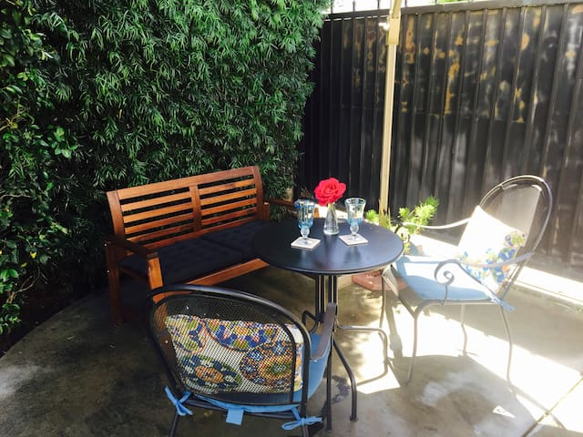 Private little space in Burbank CA - Burbank - Camping-car/caravane
