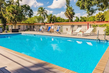 #6 ⭐ Beautiful Salt Water Pool & Sun Deck