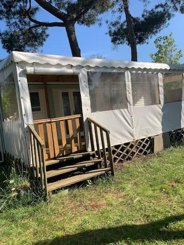 Mobil home dans camping familial