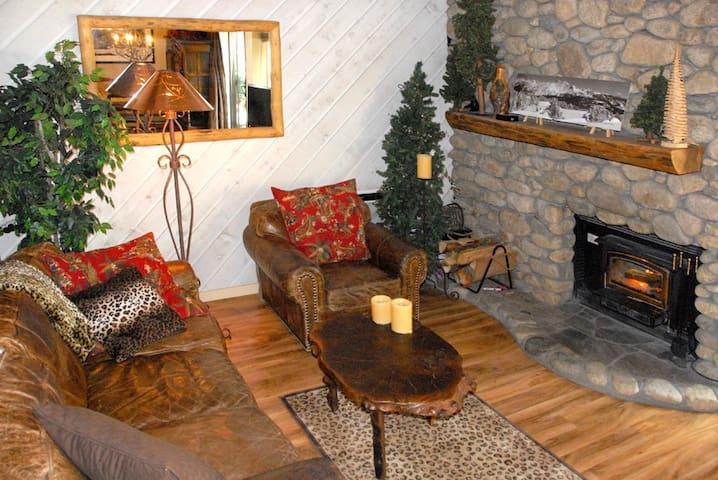 Elegant Snowcreek 1 BEDROOM & LOFT (new host) - Mammoth Lakes - Kondominium