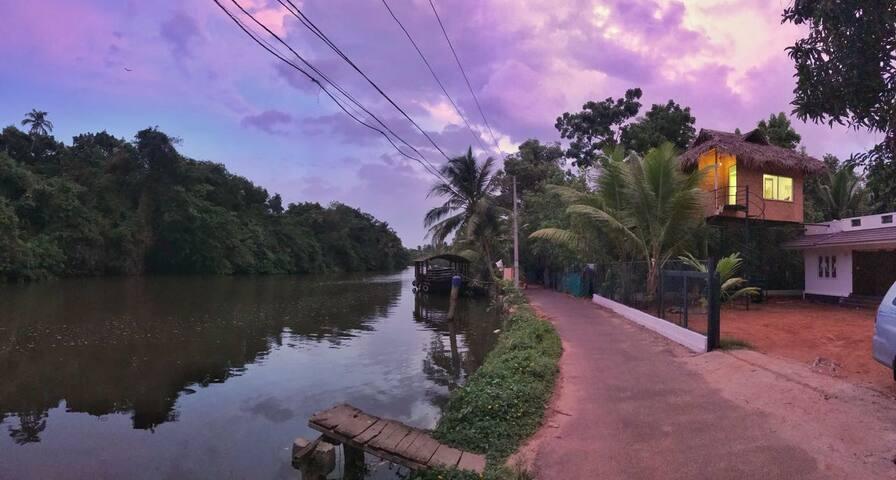 Backwater Facing Home Kumarakom by Garggi Village