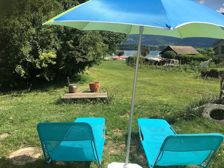 Votre terrasse sur la plage du lac du Bourget
