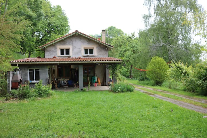 Nice comfy 3 bedroom house near the Pyrenees! - Montesquieu-Volvestre - Rumah