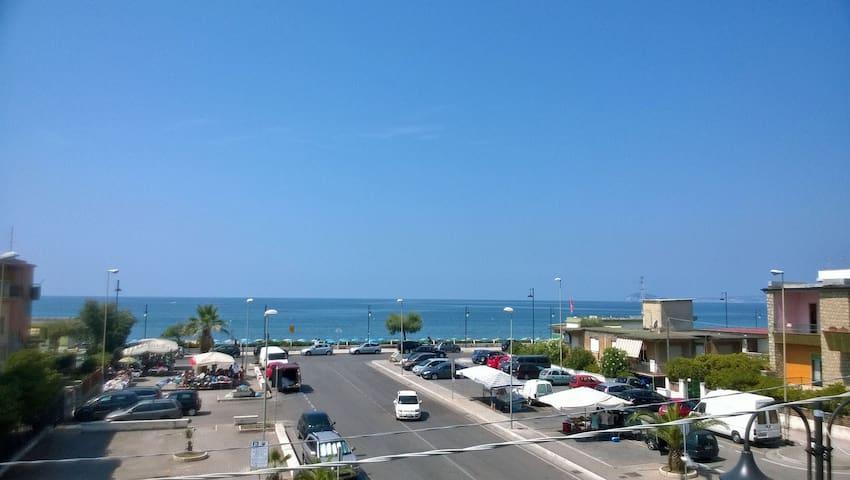 Girasole-Sul mare, tra Roma e Napoli, terme a 15km - Minturno - Apartment