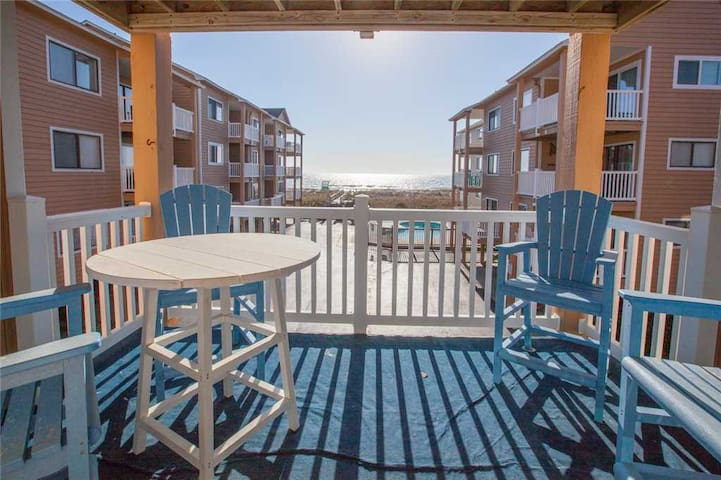 """Sand Pebbles A14 - """"Happy Place"""" - Oceanview Balcony, Ocean views, 2 Community Pools and Private Beach Walkway."""