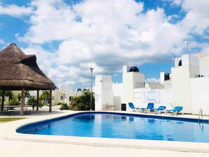 Casa en fraccionamiento privado (Playa del Carmen)