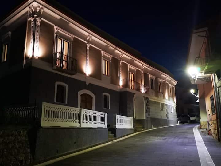 Appartamento3 centro storico San Pietro al Tanagro