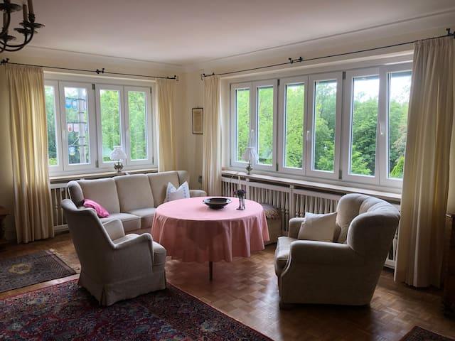 Gesamte Wohnung, 180 m2 im Altbau, nostalgisch.