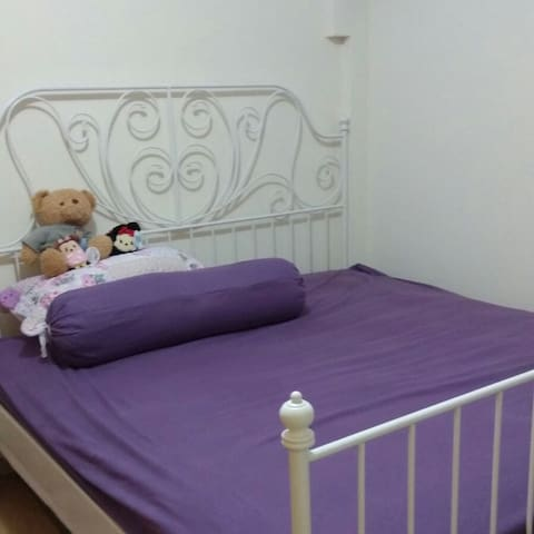 A Comfortable Room At Yew Tee