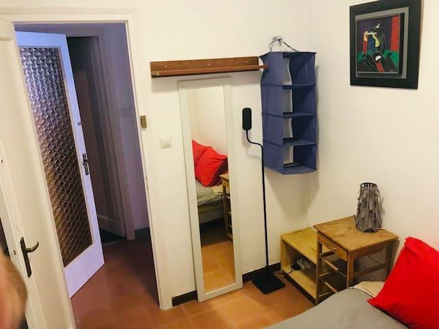 Cozy Bedroom Near Arc Triomph