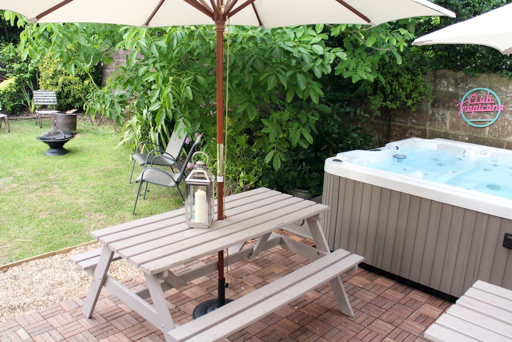 Hot Tub and Garden space