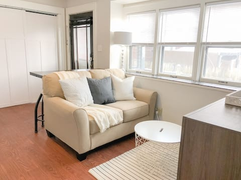 Cheerful & Cozy Studio - Fully Private Entrance