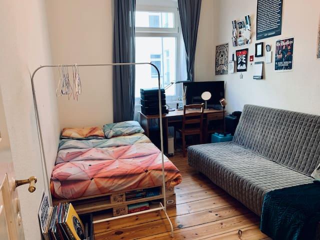 Cozy room in Friedrichshain