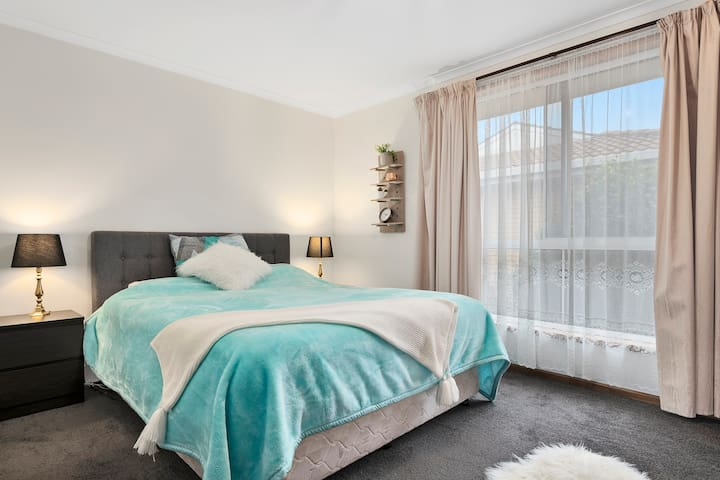 Beautiful West Burnie unit  - Long or short term