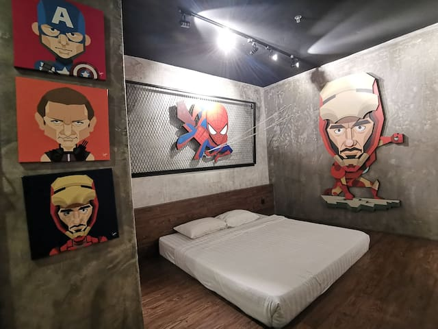 HULO ART GALLERY HOTEL- The Avenger Theme  #HL213
