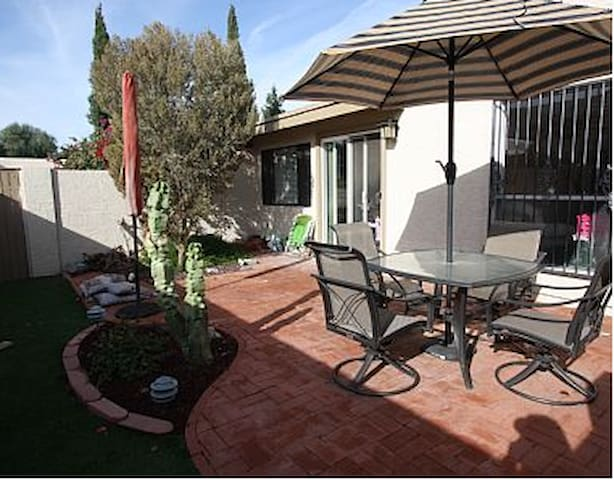 RIGHT IN THE HEART OF OLD TOWN - Litchfield Park