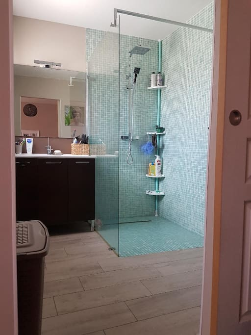 Salle de bain de la suite parentale