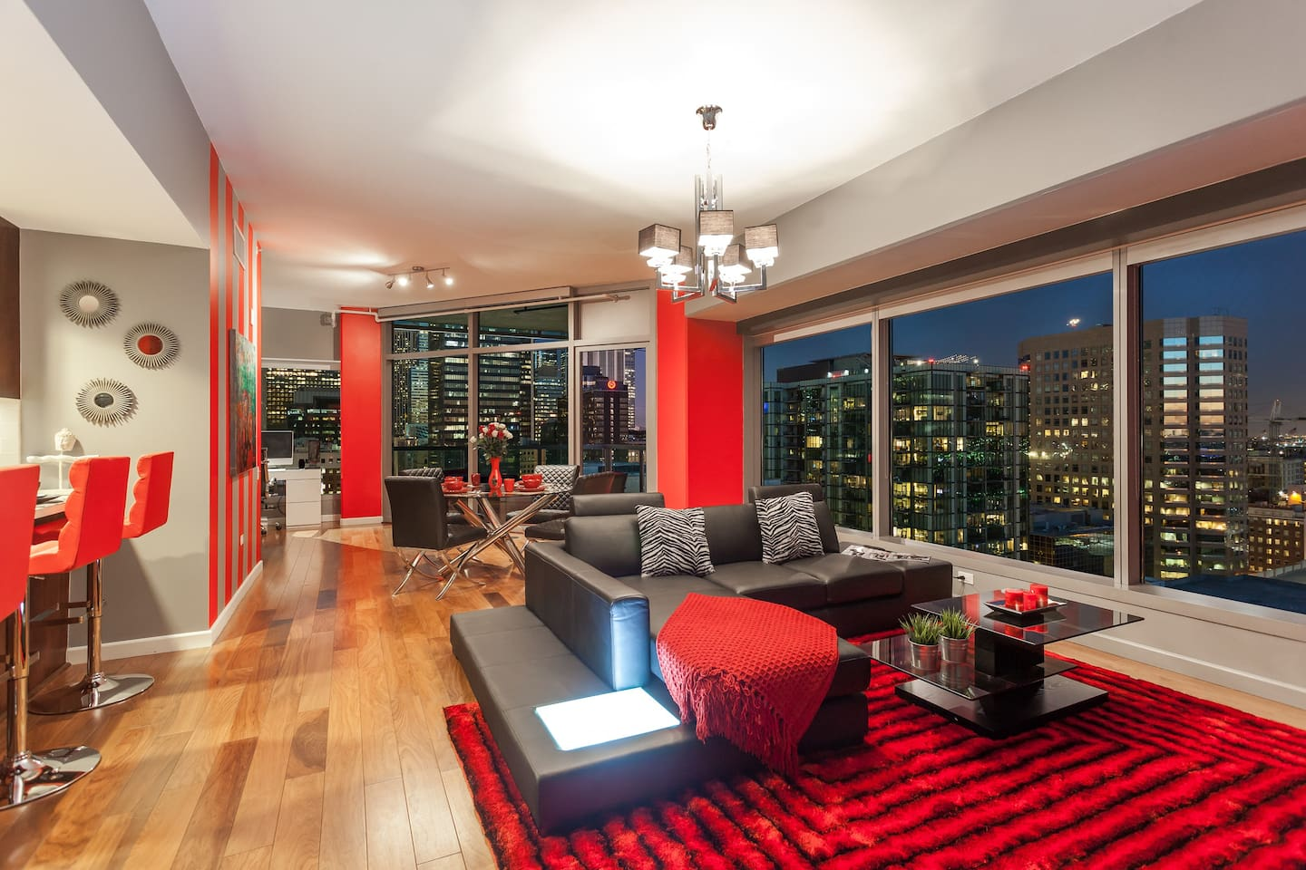 Floor to ceiling windows with stunning view of DTLA!