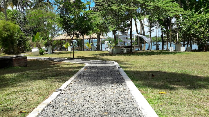 Yes! Villa Arunalu, simple luxury, next to Spa Oya