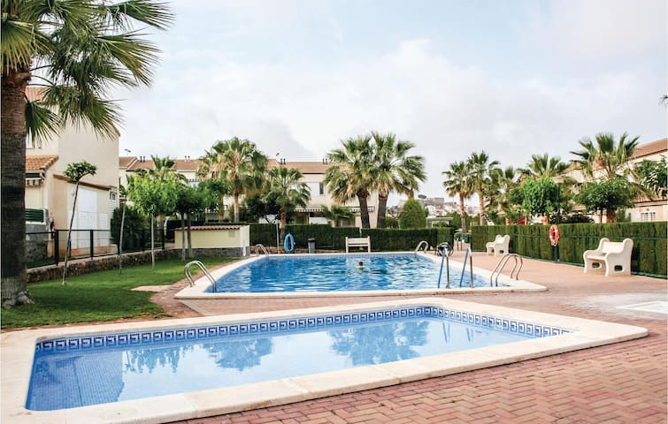 Terraced house with 2 bedrooms on 100m² in Oropesa del Mar