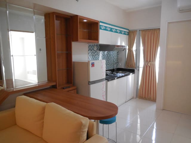 Green and Comfy Educity 2 BR Surabaya - Mulyorejo - Appartement