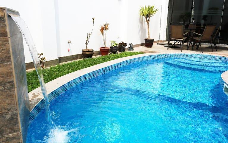 Cerro Azul Alojamiento