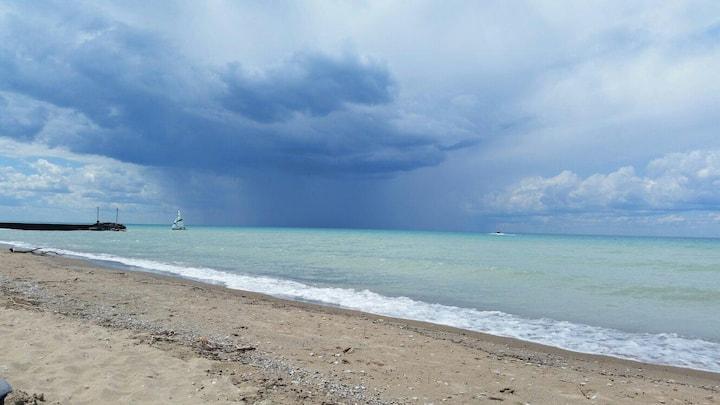 Ripples Beach House, 2 min walk to beach (13 ppl)