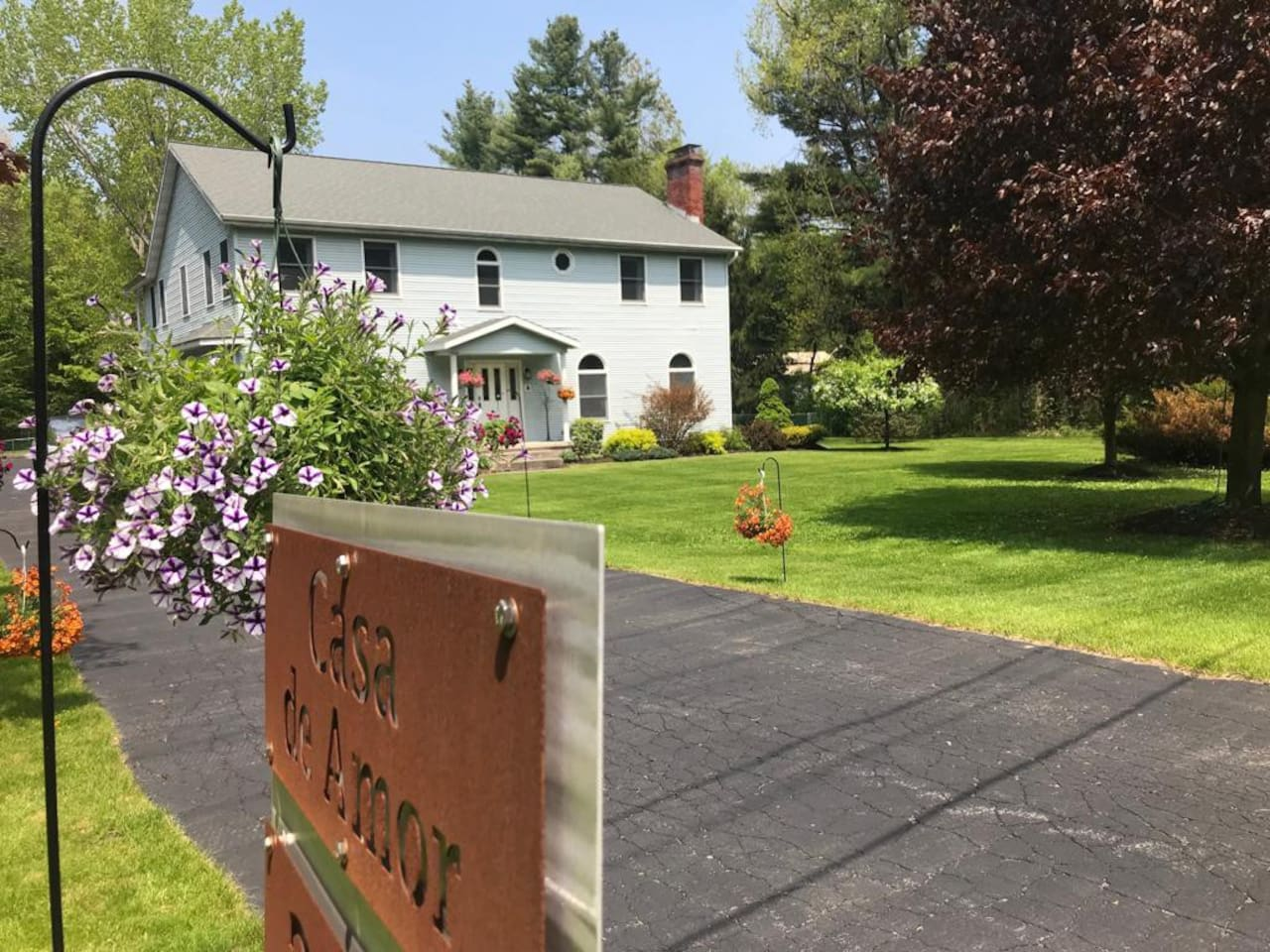serene country setting, minutes from downtown Saratoga