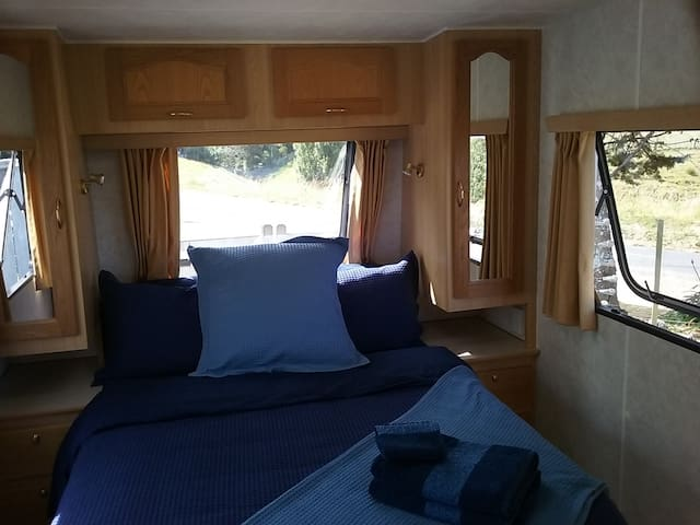 Luxury Self-Contained Caravan - 15ks from Manfield