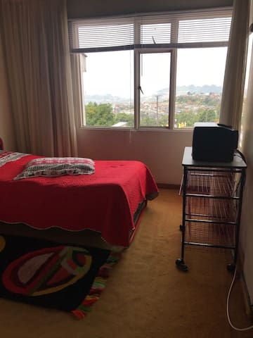 Alquiler habitaciones días, meses o permanente.