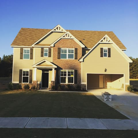 Luxurious inexpensive 6bd 5ba home - Grovetown