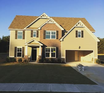 Luxurious inexpensive 6bd 5ba home - Grovetown